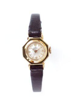 Bucherer Vintage Ladies Solid Gold Dress Watch